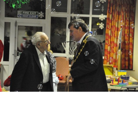 Sir Nicholas Winton meets the Mayor